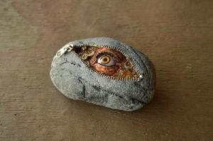 Uimitoarele creatii ale lui Hirotoshi Ito au ajuns in Romania.