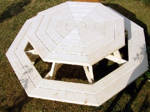 Masa octogonala pentru copii