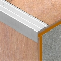 Protectie perforata cu caneluri din eloxALUM20<sup>®</sup>, 25 x 20 mm