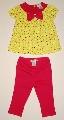 Tricou galben cu pantalon rosu - 12179 12179