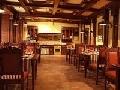 Amenajari interioare, exterioare, restaurante, baruri, hotel, case, terase. Mobilier din lemn. Decor