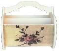 Cutie alba cu trandafiri-cadouri pentru femei