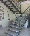 scara metalica c u balustrada din fier forjat